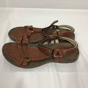 Teva Brown Leather Ventura Sandals Womens Size 10